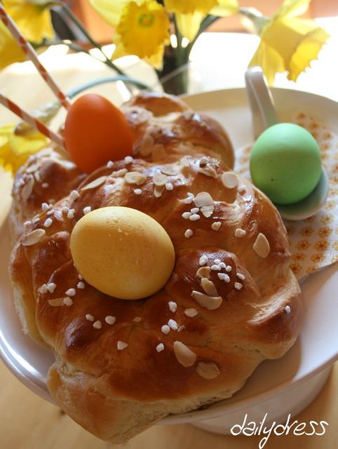 Fertiger Hefekranz zu Ostern